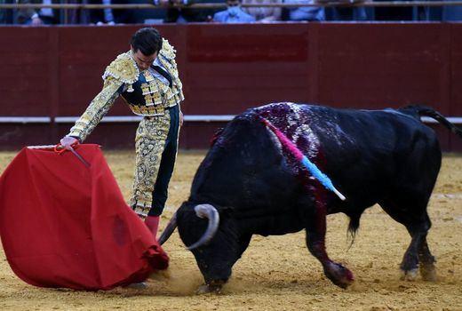 San Isidro: Ortega luce el toreo puro y El Juli corta dos orejas en una pasarela de inválidos