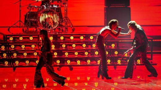 El rock italiano conquista Eurovisión en una gala con acento francés