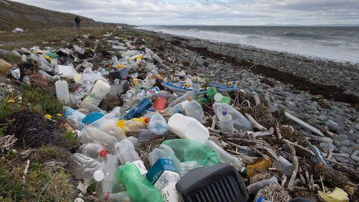 El Gobierno envía al Congreso el proyecto de ley que limita los plásticos de un solo uso