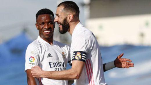 Benzema asegura en una entrevista que Zidane no dejará el Real Madrid