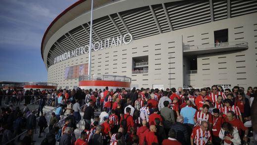 El fútbol con público vuelve a Madrid: Ayuso anuncia que habrá un 30% de aforo en el amistoso contra Portugal