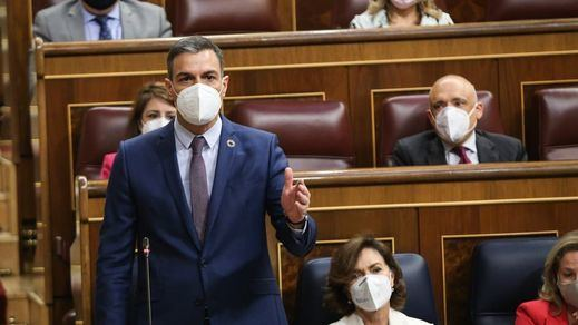 Sánchez responde a Casado sobre los indultos en Cataluña en la sesión de control: