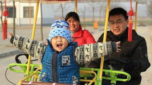 China permitirá a las parejas tener hasta 3 hijos para frenar el envejecimiento del país