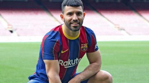 Ya es oficial: el Kun Agüero ficha por el Barcelona