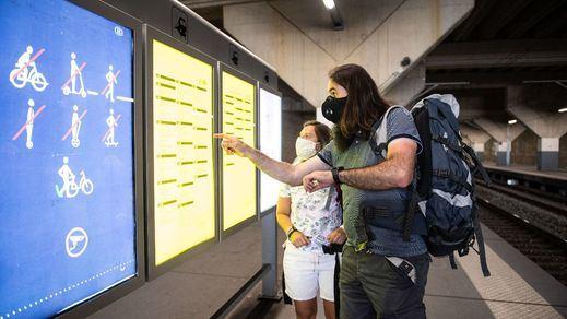 La Comisión Europea insta a los 27 a ir retirando las restricciones de viaje dentro de la UE