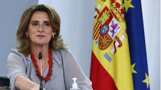 Ribera anuncia un recorte de 1.000 millones a las eléctricas para abaratar la factura de la luz
