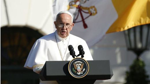 El Papa endurece las leyes contra los abusos sexuales en su reforma del Código Canónico