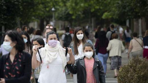 La incidencia se estanca y los contagios suben ligeramente mientras se rozan los 10 millones de inmunizados