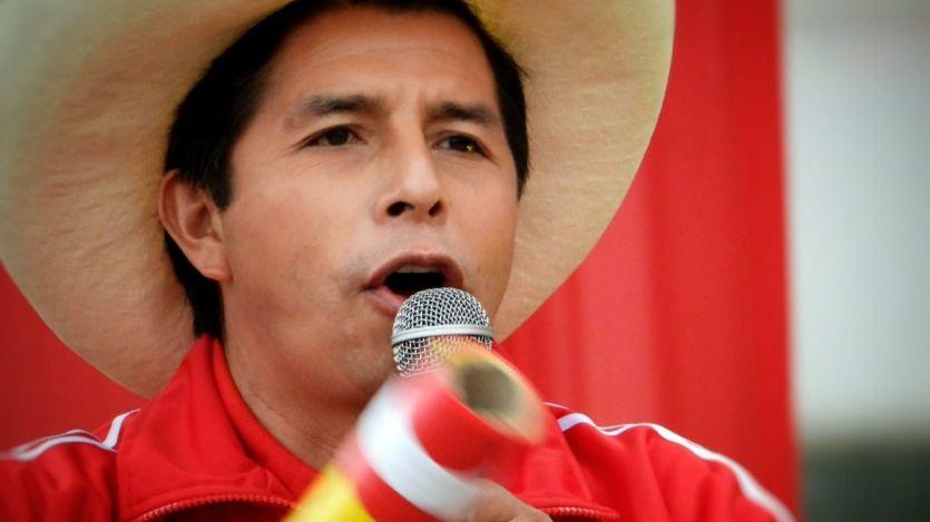 El comunista Pedro Castillo se proclama nuevo presidente de Perú con el 99,3% del voto escrutado