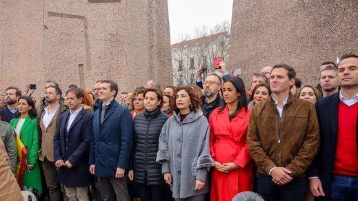 La 'foto de Colón' de PP, Cs y Vox se completará con franquistas, ultracatólicos, militares ultraconservadores, tránsfobos...
