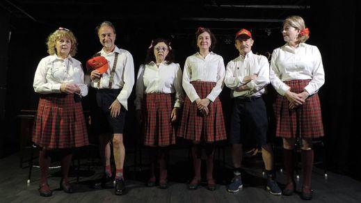 El grupo teatral 'Diamantes en el jardín' recupera la legendaria obra 'El florido pensil'