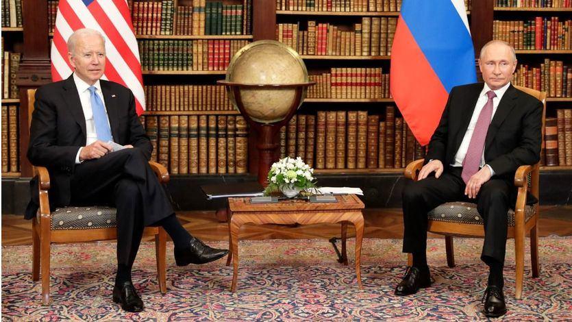 Biden y Putin inician el 'deshielo' en una 'reunión muy constructiva' en la que han acordado el retorno de los embajadores
