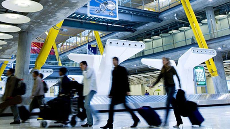 En un mes de apertura de fronteras creció un 71% la llegada de pasajeros aéreos internacionales