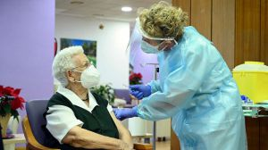 Un estudio calcula la efectividad de las vacunas en las residencias de mayores de España