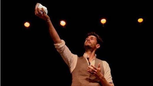 Crítica de la obra de teatro 'Una noche sin luna': en busca de Teseo