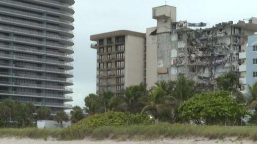 Un centenar de desaparecidos y 3 fallecidos tras el derrumbe de un edificio en Miami