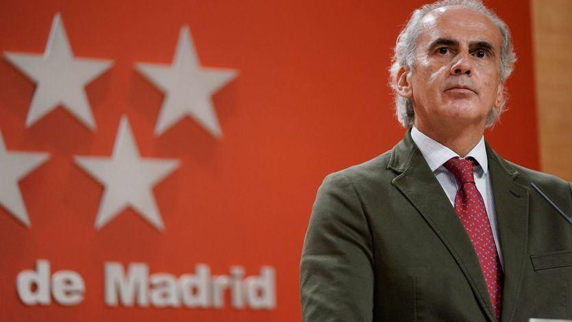 Madrid solicita una reunión con Darias para hablar sobre 'medidas eficaces' de control en Barajas