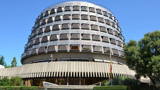 El Constitucional rechaza suspender la ley de eutanasia pero admite el recurso de Vox