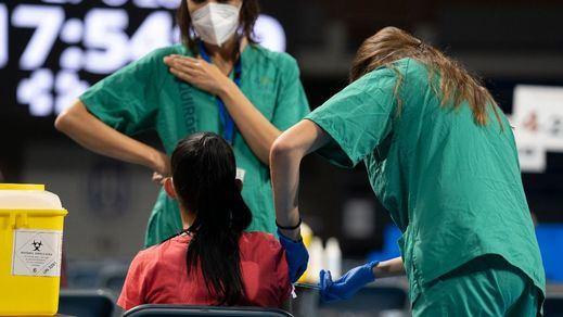 Arranca la semana de la vacunación masiva, con centros que atenderán 24 horas en Madrid y Canarias