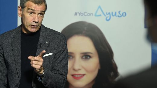 Ayuso le da un cargo menor a Toni Cantó: crea la Oficina del Español