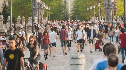 La incidencia de contagios se dispara a 366 en la franja de jóvenes de 20 a 29 años
