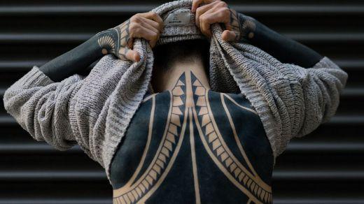 ¿Son compatibles los tatuajes en los brazos para recibir la vacuna contra el coronavirus?