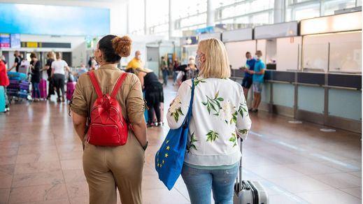 Los turistas británicos con pauta completa no tendrán que guardar cuarentena a su vuelta