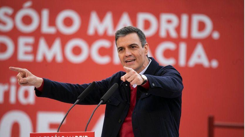 Sánchez carga contra los 'agoreros' y reitera que sus prioridades son la 'vacunación y la recuperación'