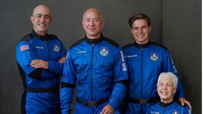 Los viajes comerciales al espacio, más cerca gracias al éxito del cohete de Jeff Bezos
