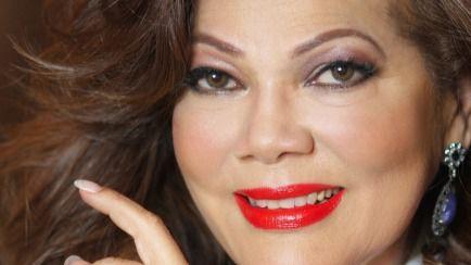 La legendaria Ángela Carrasco vuelve por todo lo alto con nuevo álbum y concierto (videoclip)