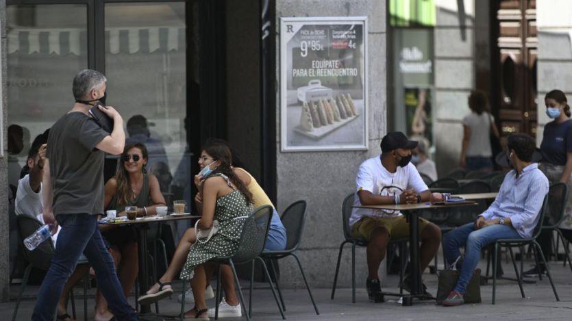 Galicia ya pide 'certificado covid' para entrar en locales de ocio y restauración; otras lo harán en breve