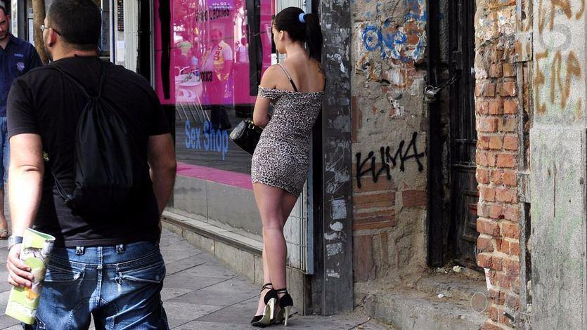 El PSOE presenta su plan para abolir la prostitución: 'En un país digno los cuerpos de las mujeres ni se compran, ni se alquilan'