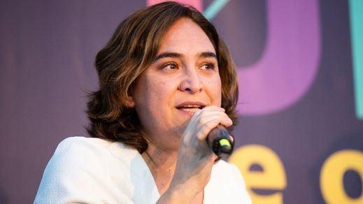 Ada Colau promueve cursos para 'promover modelos de masculinidad positivos' y se lía en redes
