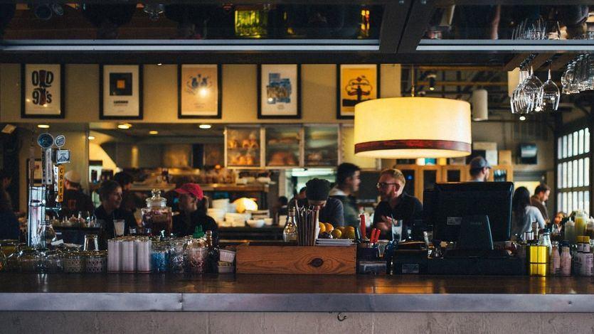 España no será otra Francia o Irlanda: no se generalizará la exigencia del 'certificado covid' para entrar en bares y restaurantes