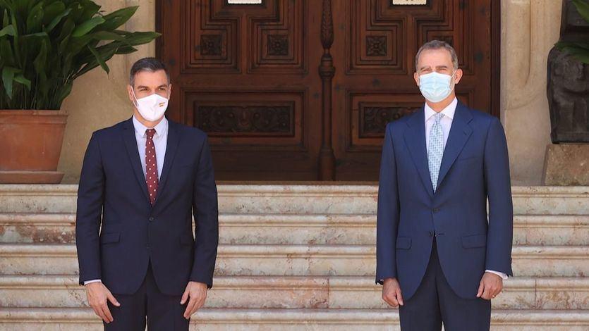 Sánchez elogia el compromiso de Felipe VI con la 'transparencia' y evita hablar del emérito