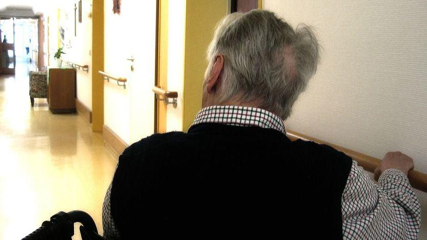 Sanidad permite que trabajadores de residencias de mayores no se vacunen, pero tendrán que hacerse 2 pruebas semanales