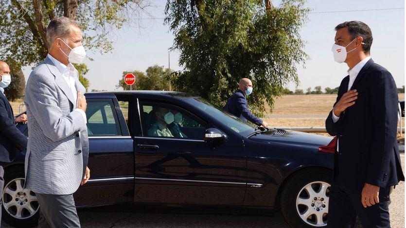 Sánchez y el Rey visitan la base de Torrejón tras la llegada de los últimos afganos evacuados