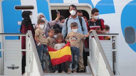 Castilla y León y Cataluña lideran la acogida de los afganos evacuados