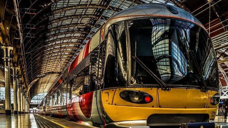Viajar en tren permite cambiar de aires, renovar las energías de manera segura, placentera y económica.