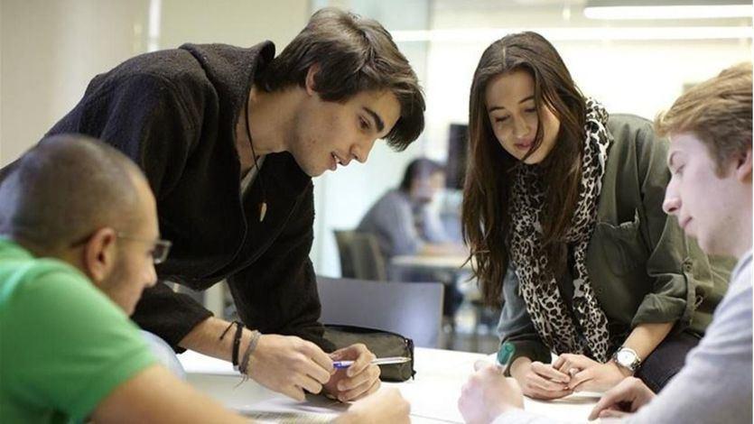 El Defensor del Pueblo investiga la falta de plazas públicas de Formación Profesional en Madrid y Cataluña
