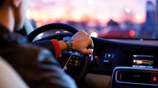 Las distracciones al volante están detrás de más de 300 muertes en carretera al año