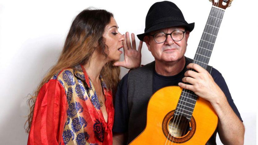 'El secreto de Montón y Carrasco': el guitarrista y la cantante presentan en un concierto único 'Canciones al oído', su nuevo disco