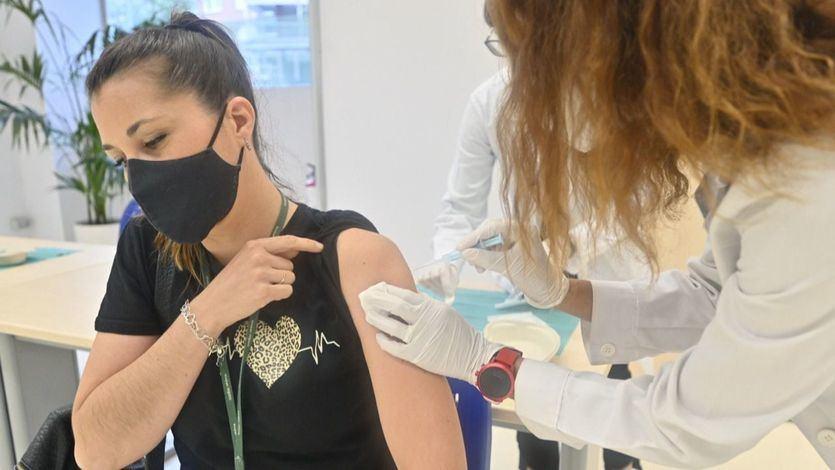 4 comunidades superan el 80% de su población totalmente vacunada