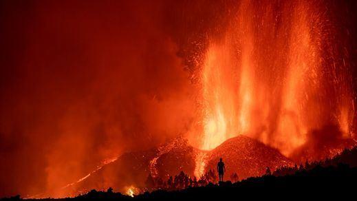 Nuevas evacuaciones y vuelos cancelados en La Palma por la explosividad del volcán