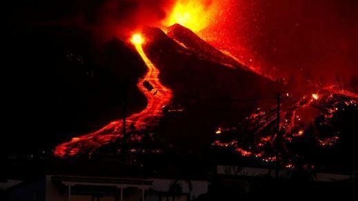 El volcán de La Palma entra en fase explosiva extrema tras la aparición de dos nuevas bocas