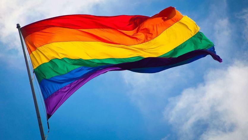 Madrid izará una bandera LGTBI permanente en Chueca