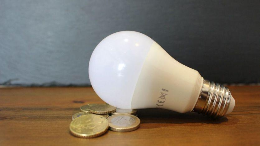 Los altos precios de la luz hacen dispararse la inflación anual al 4%