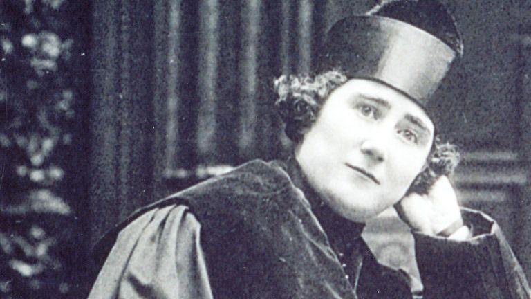 Clara Campoamor, diputada del Partido Radical que abanderó la lucha por el sufragio femenino