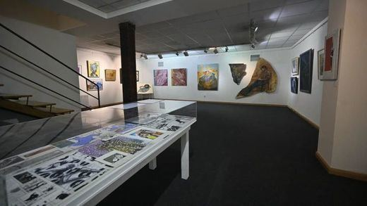 Un viaje a la Movida madrileña a través de destacados artistas de la época