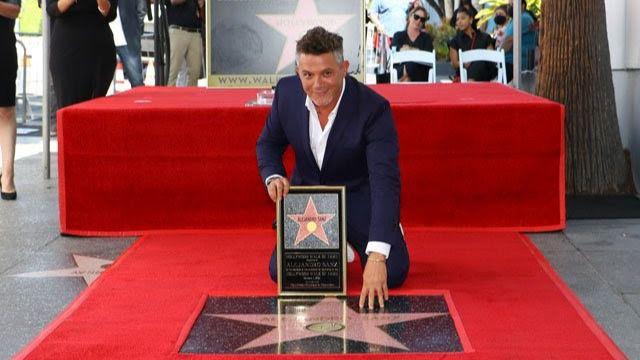 Alejandro Sanz en el paseo de la fama de Hollywood